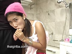 Thai Fuck toy Zoe 18 gentle sucky sucky