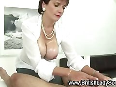 Mature handjob from lady sonia who gives a special touch