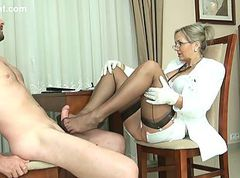 Ala Nylons ff nylon foot worship