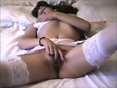 sexy babe plays with herself in the pursuit of sexual satisfaction