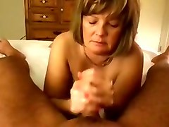 blond haired mature blowlerina provided my buddy with a great handjob