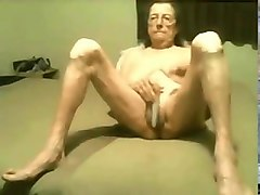 hot a old granny still love to masturbate! amateur!