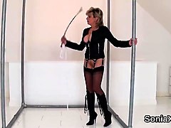 Adulterous english mature lady sonia shows her huge puppies