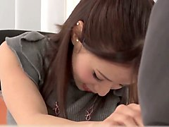 japanese gal masturbates in a cafe while on a date