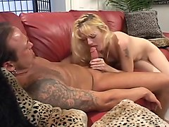 Cocksucker Daryn Lee Makes Great Eye Contact During Blow Job