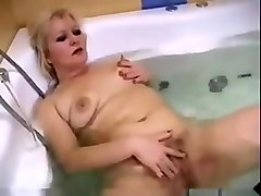 Russian mom with small sagg tits