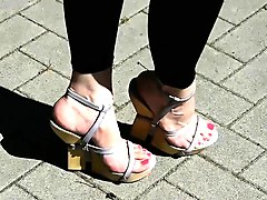 feet feet n toes walking in wooden wedges high heels