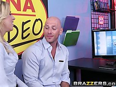 brazzers - shes gonna squirt - zoey monroe and johnny sins -  friendly squirting