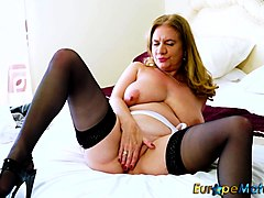 hot and horny vature playing with toys