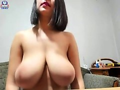amateur tawney flashing boobs on live webcam