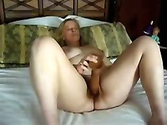 Texas Housewife Prefers Huge Toys Webcam Movie