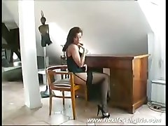 Flexible Beauty Babe Spreading Her Long Legs And Pussy